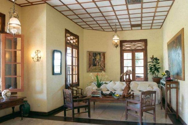 Interior Ruang Tamu Gaya Jawa
