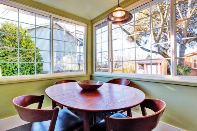 Dekorasi Ruang Makan Sempit Dengan Meja Makan Bundar