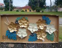 Hiasan dinding bunga mawar logam