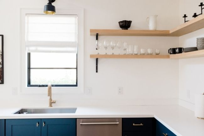 Penerapan Nada Berani Pada Dekorasi Dapur Minimalis Modern